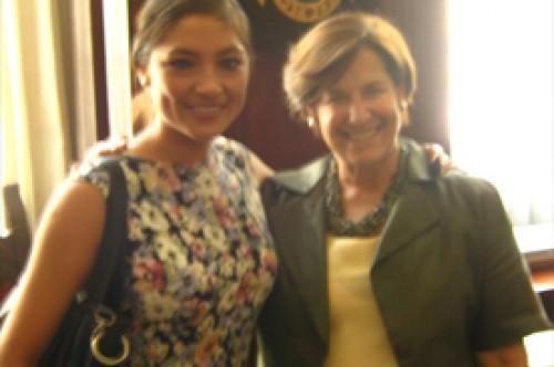 Magaly Solier a Susana Villarán: Estoy contigo tía Susy