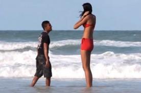 Joven le propone matrimonio a la adolescente más alta del mundo