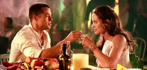 Jennifer Aniston molesta con su ex Brad Pitt por acaparar a los medios con su boda
