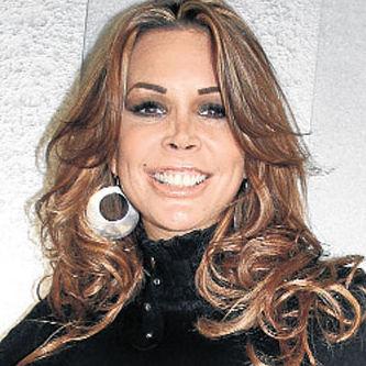 Carla Barzotti debuta como nueva animadora de Amigos y Rivales