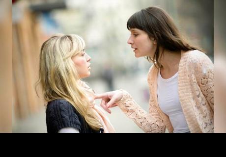 Si tu amiga es cruel contigo es porque se preocupa por tu bienestar
