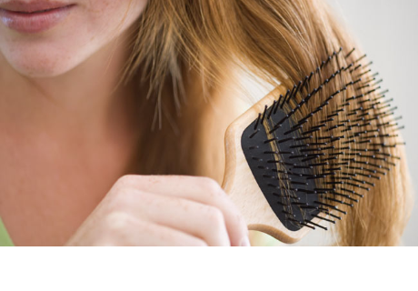 El secreto japonés para lucir un cabello espectacular está literalmente en tus manos