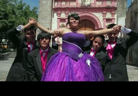 ¡Fails en quinceañeros! ¡Todas estas chicas tuvieron vergonzosas caídas! (VIDEO)
