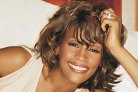 Whitney Houston fue encontrada muerta hace más de tres horas