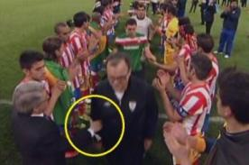 Video: Bielsa negó saludo al principe de España y presidente del Atlético
