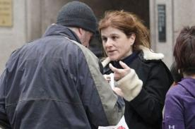 Mujer dio de comer a vagabundo sin saber que era Richard Gere - FOTOS