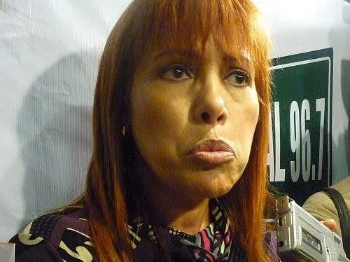 Magaly Medina sostiene que Larissa Riquelme no tiene celulitis como Tilsa Lozano