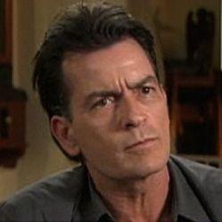 Charlie Sheen y sus peores secretos podrían ser revelados de ir a la corte
