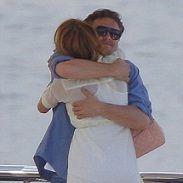 Leonardo DiCaprio muy cariñoso con actriz de Gossip Girl