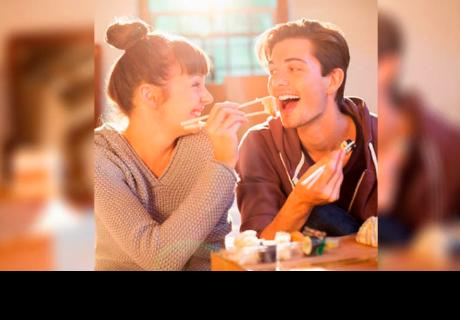 7 razones por las que aparecen esos 'michelines' cuando tenemos novio