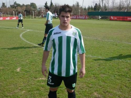 Futbolista argentino murió en la puerta de su casa