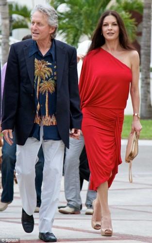 Catherine Zeta Jones captó a Michael Douglas usando su ropa interior