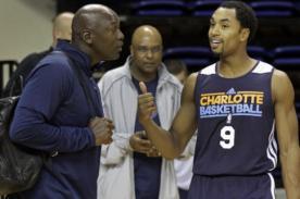 Video: Michael Jordan entrena con los Charlotte Bobcats – NBA