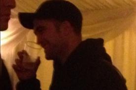 Robert Pattinson pasó Navidad en un pub