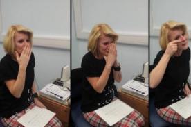 Mujer conmueve al mundo al oír por primera vez - Video