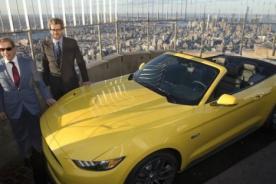 Ford coloca un Mustang en el Empire State de Nueva York