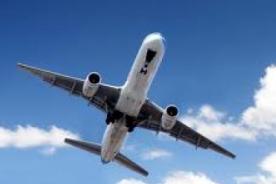 Terror en el cielo: Avión pierde parte del ala en pleno vuelo - Video