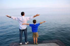 Día del Padre: Bellas frases para Facebook para dedicarle en su día