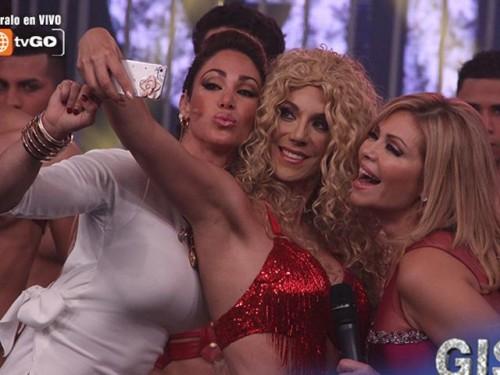 Ex parejas de roberto Martínez juntas en divertido selfie