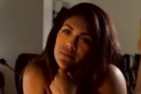 Esto hace Vania Bludau 'borrachita' lejos del Perú - VIDEO