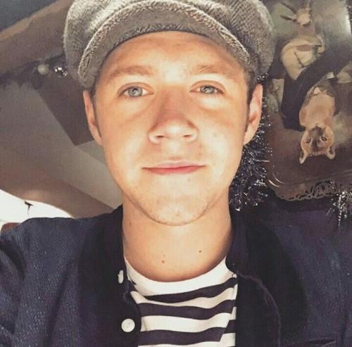 Niall Horan sorprende con cambio de look