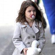 Colección de zapatos de la hija de Tom Cruise asciende los 150 mil dólares