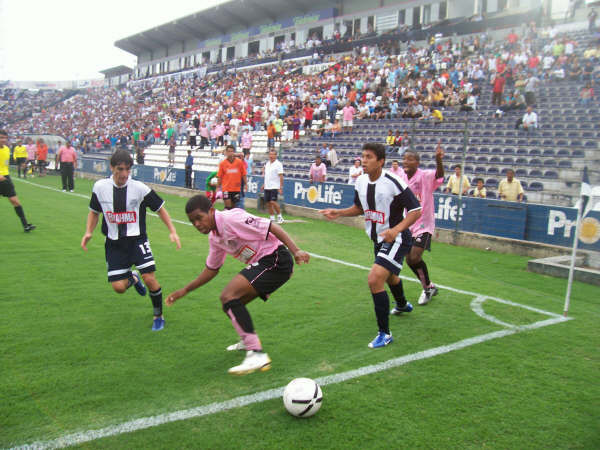 Carlos Orejuela: El tema de ser punteros no preocupa