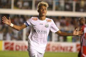 Neymar se 'pasea' con la defensa del Botafogo - Torneo Paulista (Video)