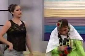 Karla Tarazona parodió la pelea de Vania Bludau en Hola a Todos - Video