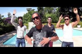 ¿Ronaldinho ahora incursiona como cantante? - VIDEO