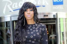 Kelly Rowland asegura que no viaja sin su Biblia