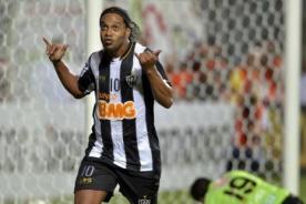Ronaldinho es el cuarto en ganar los tres títulos más grandes del fútbol
