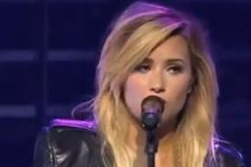 Demi Lovato y Darren Criss de 'Glee' cantan juntos 'Skyscraper' - Video