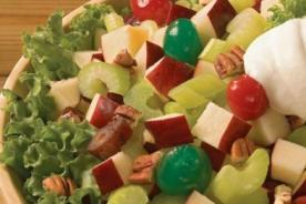 ¿Cómo hacer una ensalada de manzana para acompañar la cena navideña?