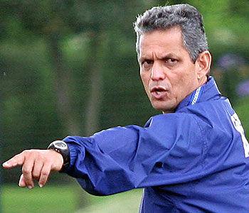 Copa América 2011: Reinaldo Rueda fue ratificado en la selección ecuatoriana