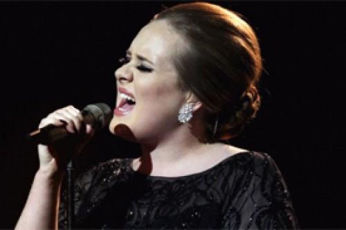 Noel Gallagher cree que Adele no tardará en ser olvidada