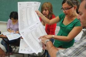 Revocatoria 2013: Dónde recoger credenciales como miembros de mesa