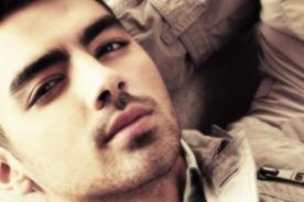 Joe Jonas da consejo a celebridades
