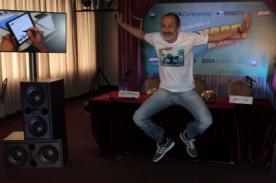 Carlos Alcántara lanza 'Asu Mare, el juego móvil'