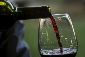 Crean dispositivo que convierte agua en vino - VÍDEO