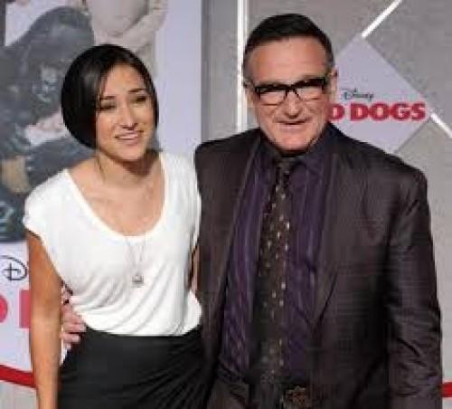 Hija de Robin Williams recibe pésimas bromas en redes sociales