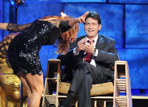 Charlie Sheen dará 1.000 dólares de propina camarero