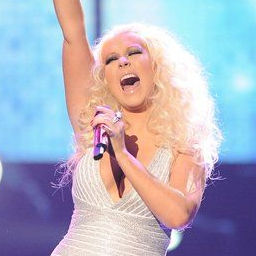 Niegan que Christina Aguilera esté embarazada