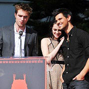 Kristen Stewart, Robert Pattinson y Taylor Lautner agradecidos por homenaje en Hollywood