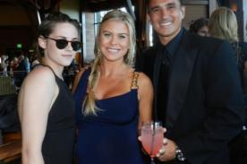 Kristen Stewart celebró boda de amigo lejos de Robert Pattinson