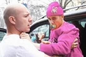Justin Bieber recorre Francia con un chupón en la boca