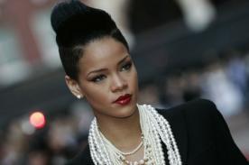 Rihanna luce muy sexy en bikini [VÍDEO]
