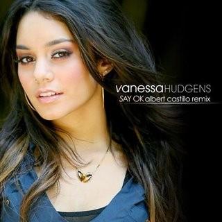 Vanessa Hudgens lució seductora en el Comic Con