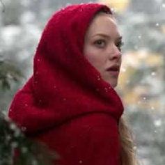 La chica de la capa roja - Estreno 21 de abril