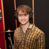 Daniel Radcliffe graba villancicos con compañeros de Broadway